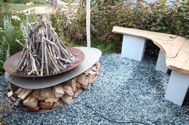 Как сложить дрова в дровницу: поколоть и порубить да картинно уложить