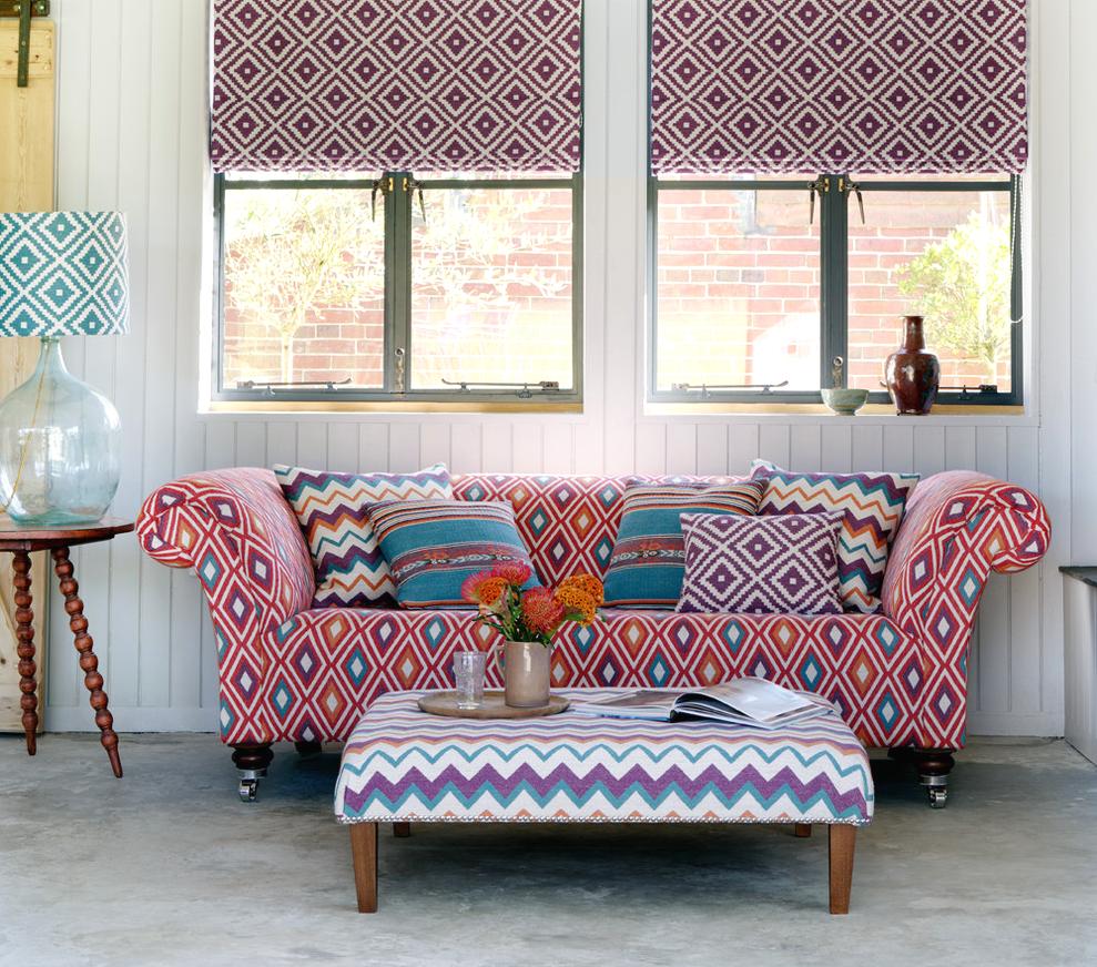 Категории и виды обивочных тканей для диванов, советы по выбору