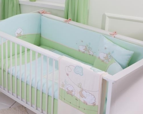 Шьем бортики в кроватку для новорожденных