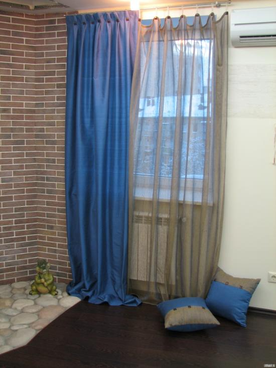 Голубой цвет в интерьере (87 фото): с какими другими цветами он сочетается? стены и потолки в голубых тонах, голубые двери и диваны