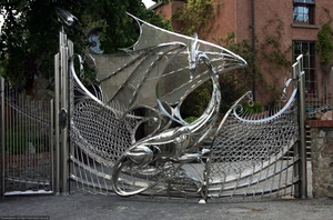 Кованые ворота: особенности изготовления и советы по применению ограждения (105 фото)