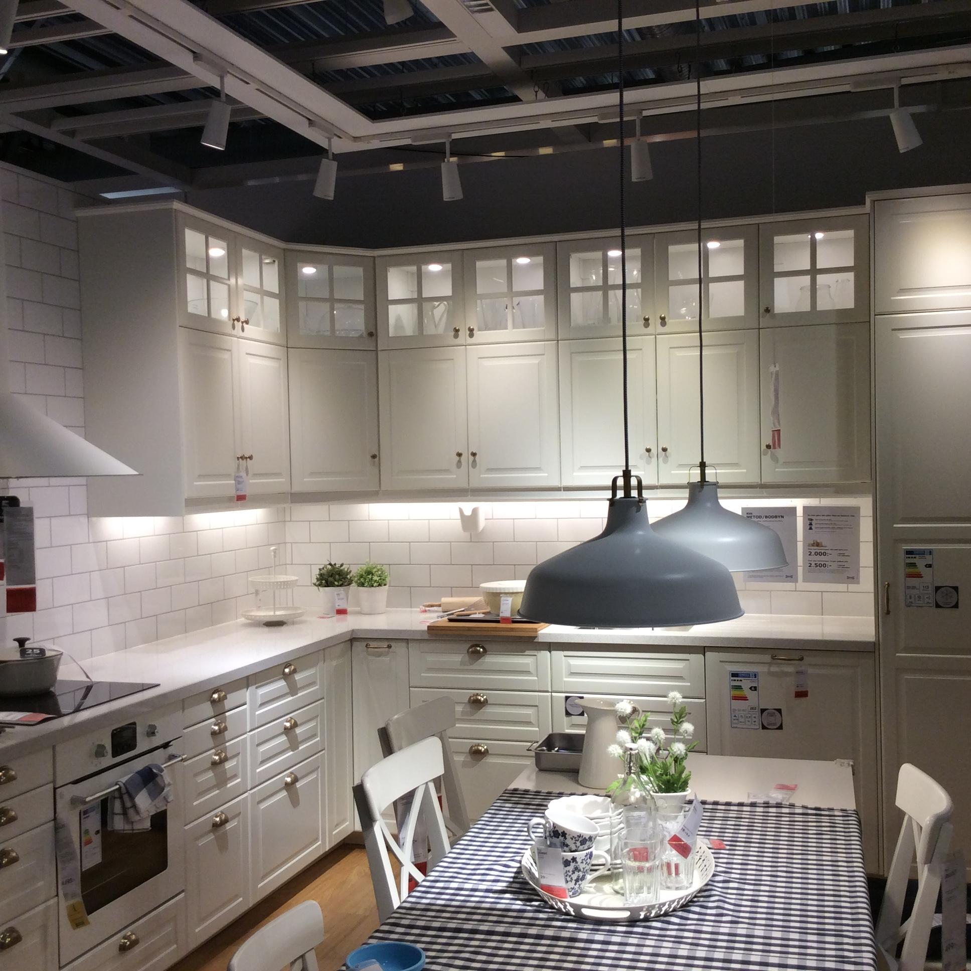 Кухня «икеа»: советы покупателю + подборка готовых интерьеров