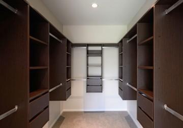 изготовление гардеробных комнат на заказ