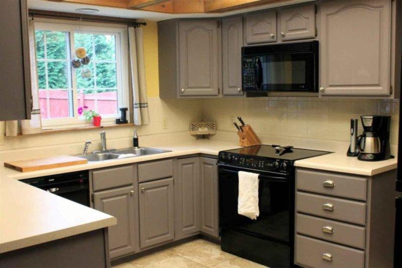 встроенная кухня для маленькой кухни