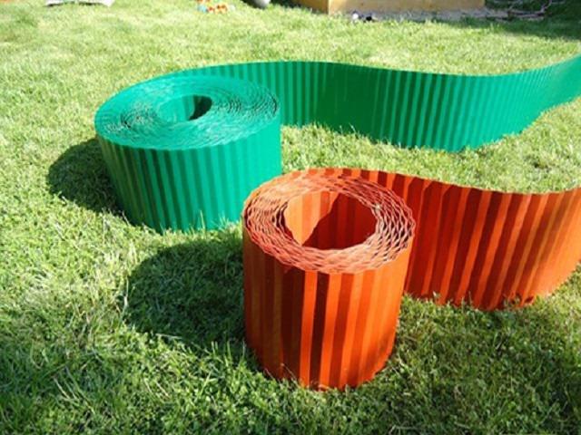 Делаем из подручных материалов бордюры для клумб