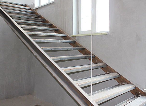 Отделка металлической лестницы деревом - всё о лестницах