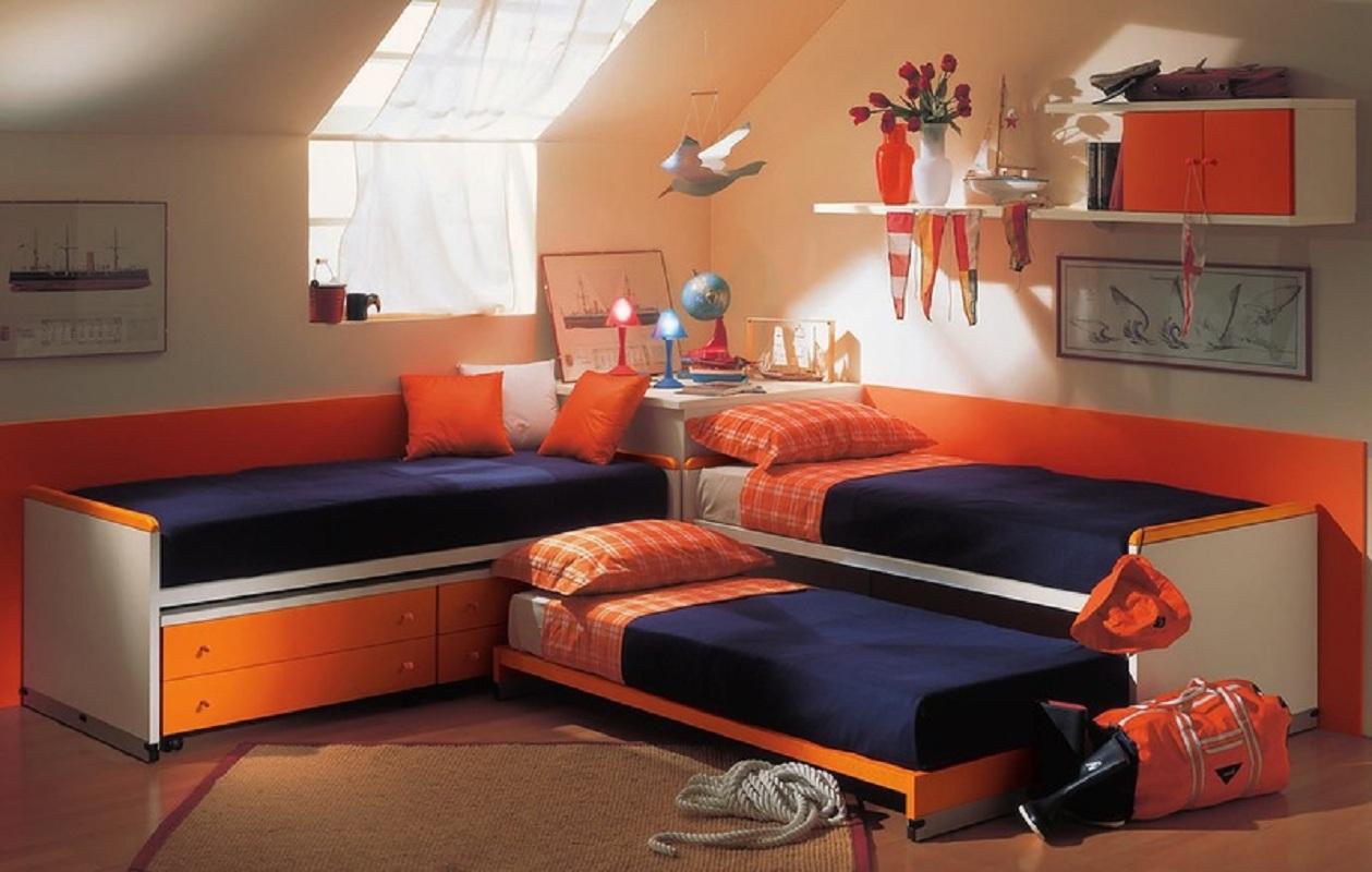 кровать для троих детей в маленькую комнату
