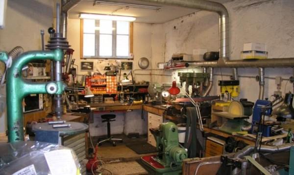 Как обустроить столярную мастерскую в гараже своими руками