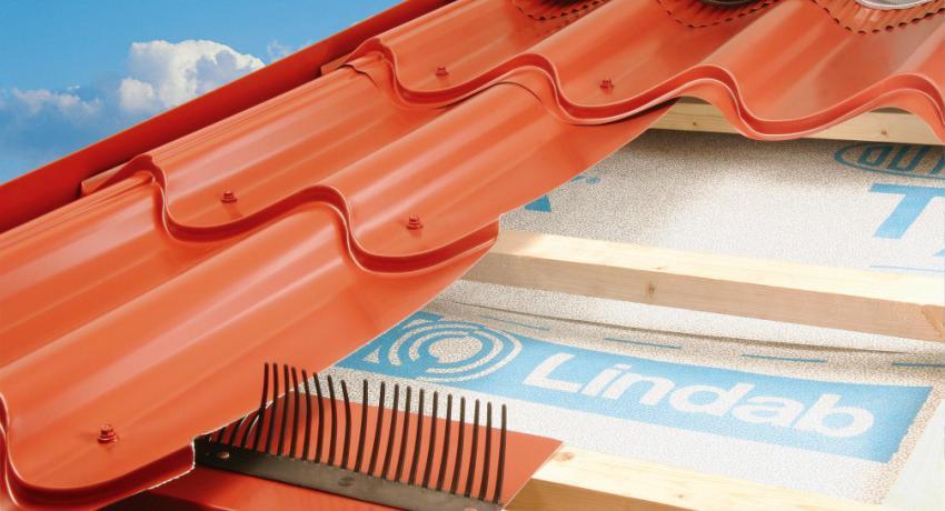 как класть пароизоляцию на крышу