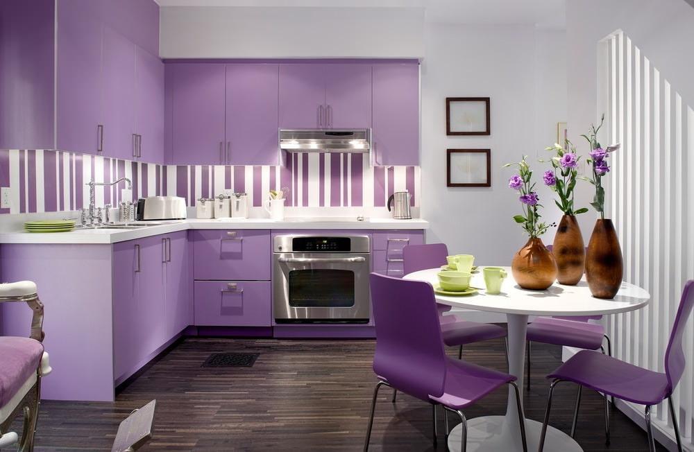 Фиолетовая кухня: дизайн, сочетание цветов (70 реальных фото)