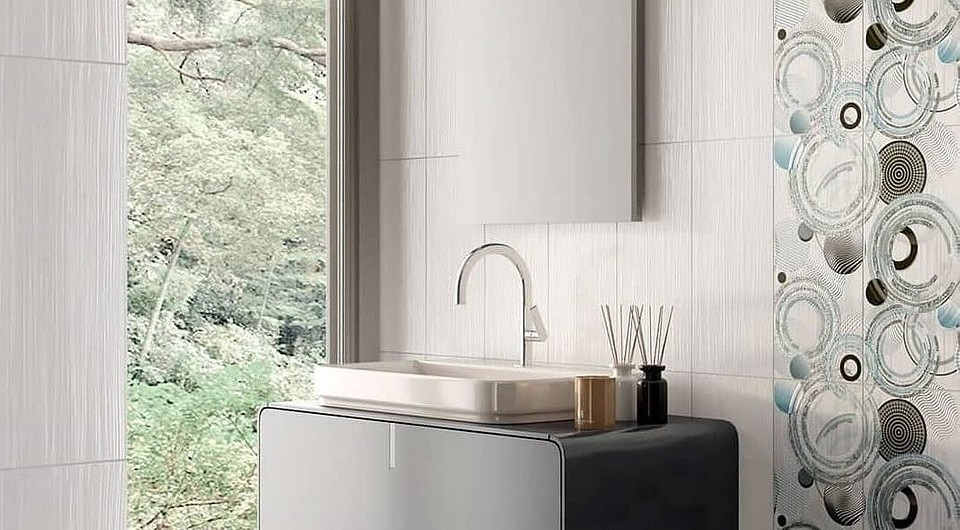 Панели для ванной комнаты (90 фото): отделка влагостойкими акриловыми панелями, раздвижные аквапанели с рисунком, отзывы