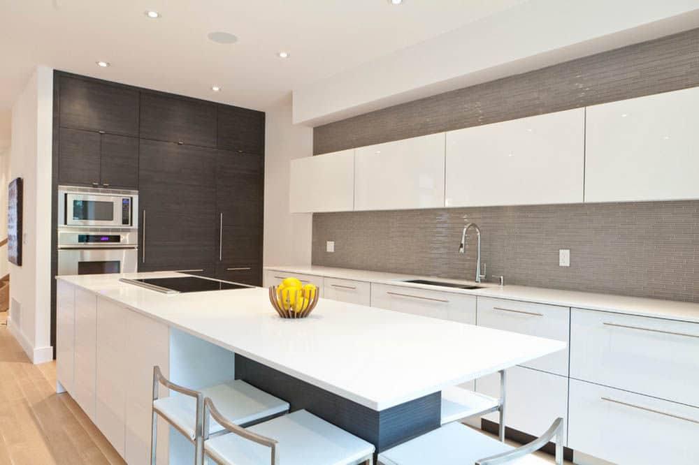 Классическая кухня в светлых тонах: 50 идей с фото красивых интерьеров