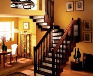 Обшивка металлической лестницы деревом – правильное решение