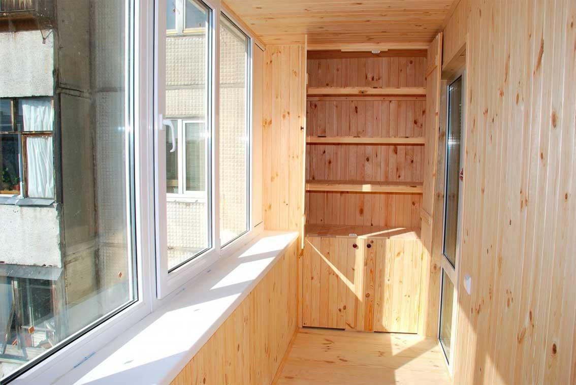 Шкаф на балкон — функциональная красота и порядок + 74 фото