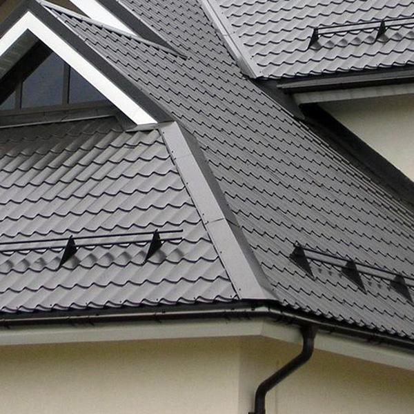 Снегозадержатели на крышу из профлиста: выбор лучшего варианта + правила установки