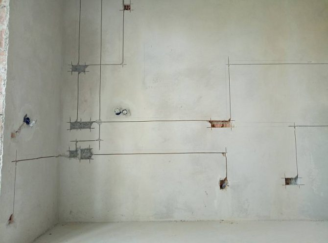 штробить стены