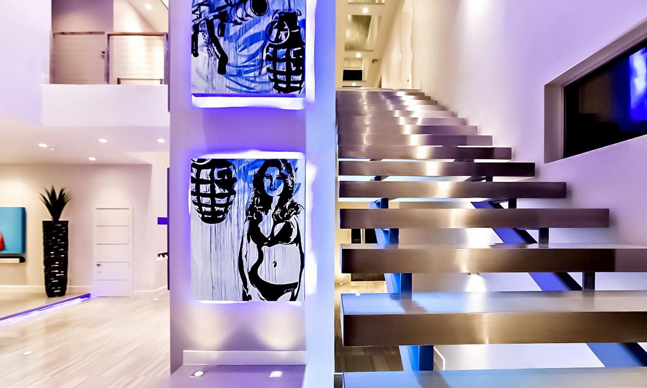 Подсветка ступеней лестниц