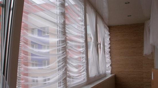 Шторы на балкон: фото занавесок на лоджии, римские повесить без карниза, своими руками сделать японские