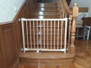 Защита от детей на лестницу - всё о воротах и заборе