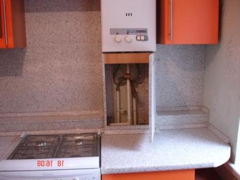 Как скрыть или задекорировать газовую трубу на кухне