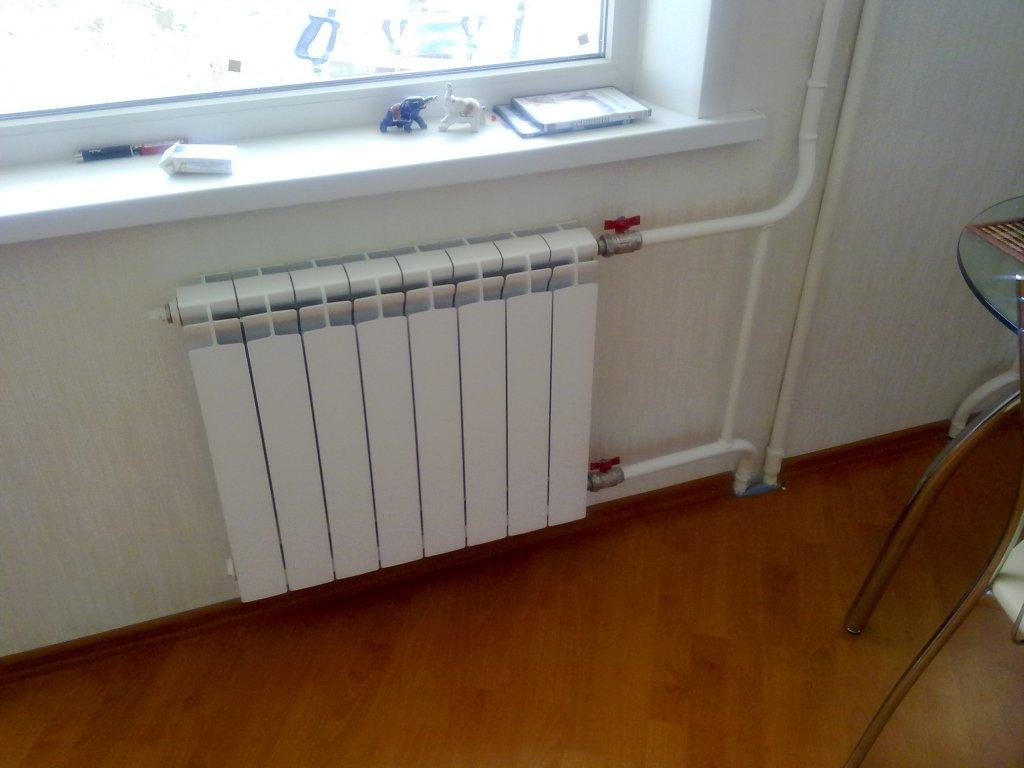 Напольные радиаторы отопления: низкие и встраиваемые в пол, для панорамных окон водяные