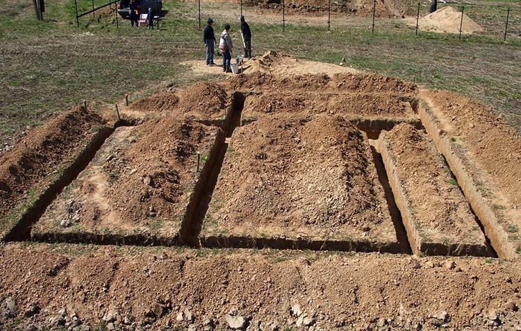 Сколько стоит капать 1 куб земли вручную под ленточный фундамент - строим сами