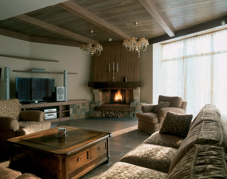 Интерьер гостиной в загородном доме +75 фото и дизайн