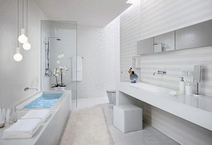 мрамор и дерево в ванной