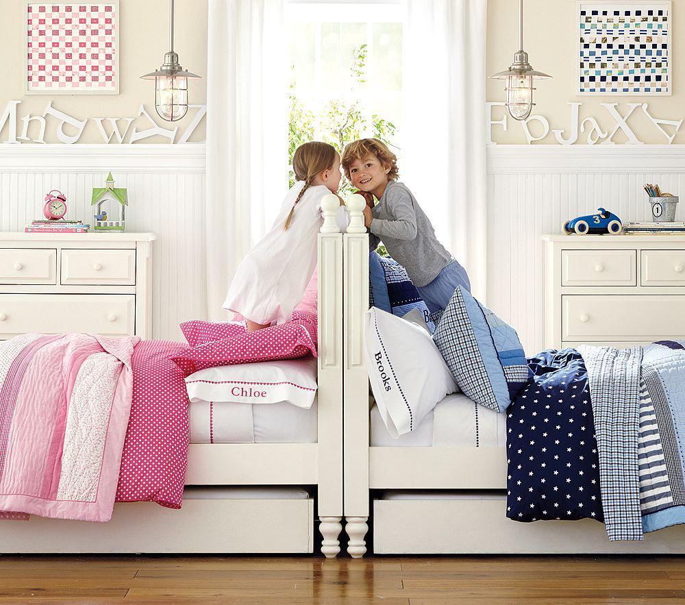 Кровать для троих детей: как выбрать в зависимости от площади комнаты, конструкция для малышей разного пола