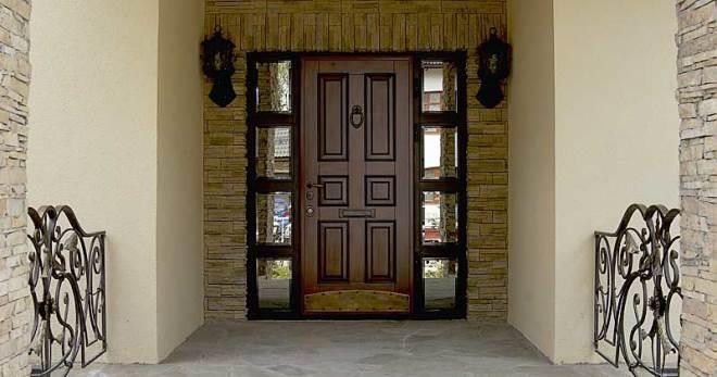 Пластиковые входные двери со стеклом или стеклопакетом, фото различных моделей