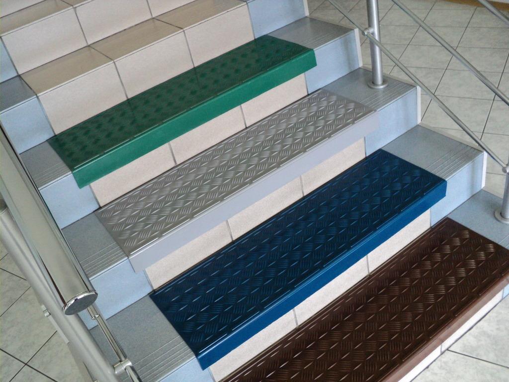 коврики на лестницу в доме