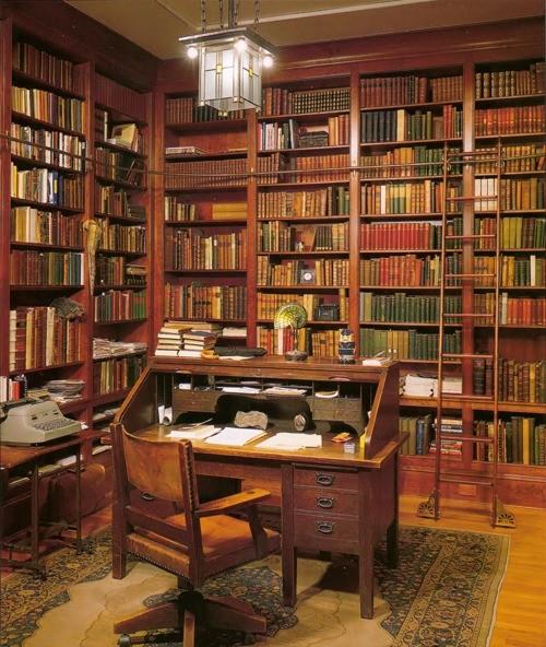 Как оформить интерьер домашней библиотеки?