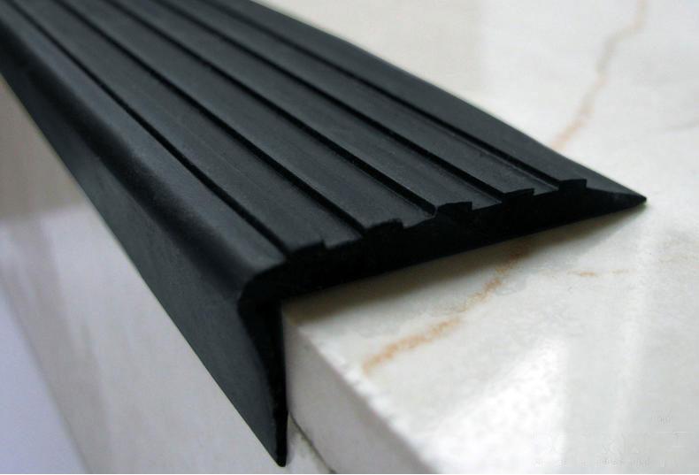 Резиновые коврики для ступеней лестницы на улице - всё о лестницах