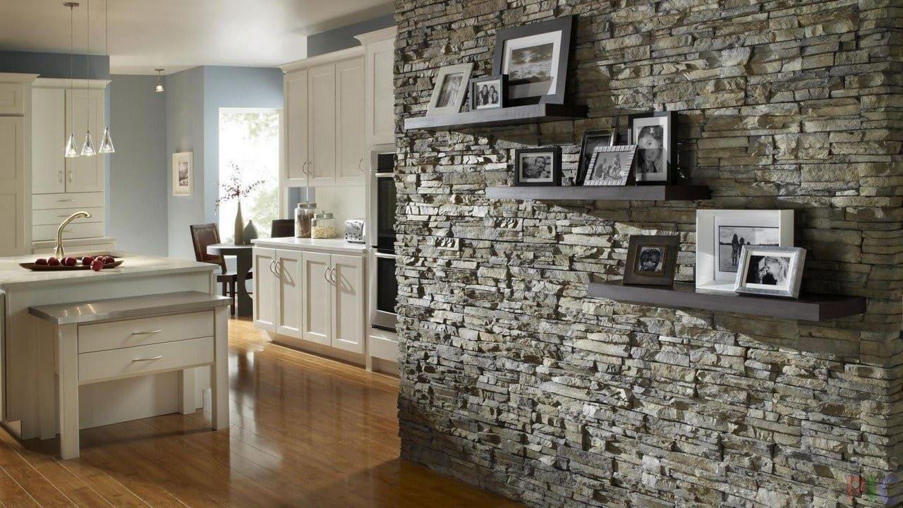 Гипсовая плитка (51 фото): декоративные изделия для внутренней отделки стен, гипсоцементные модели в интерьере