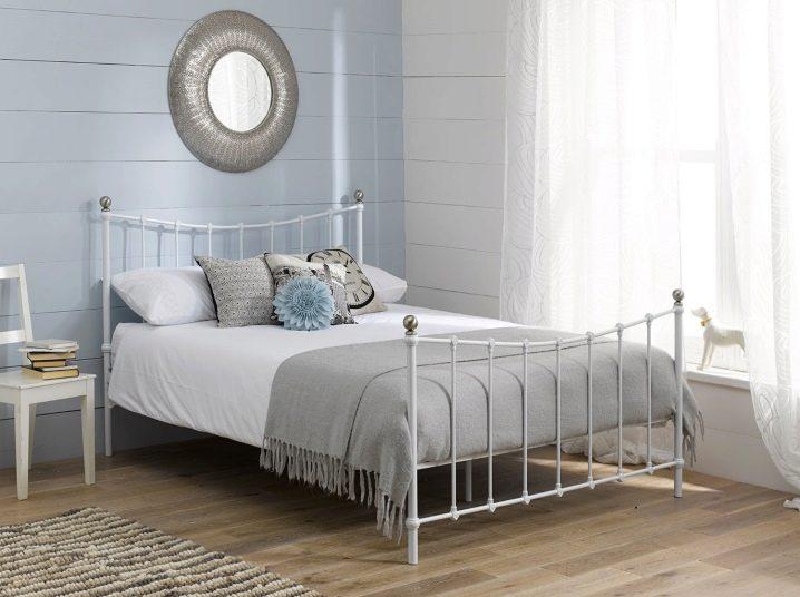 кровать икеа двуспальная с матрасом