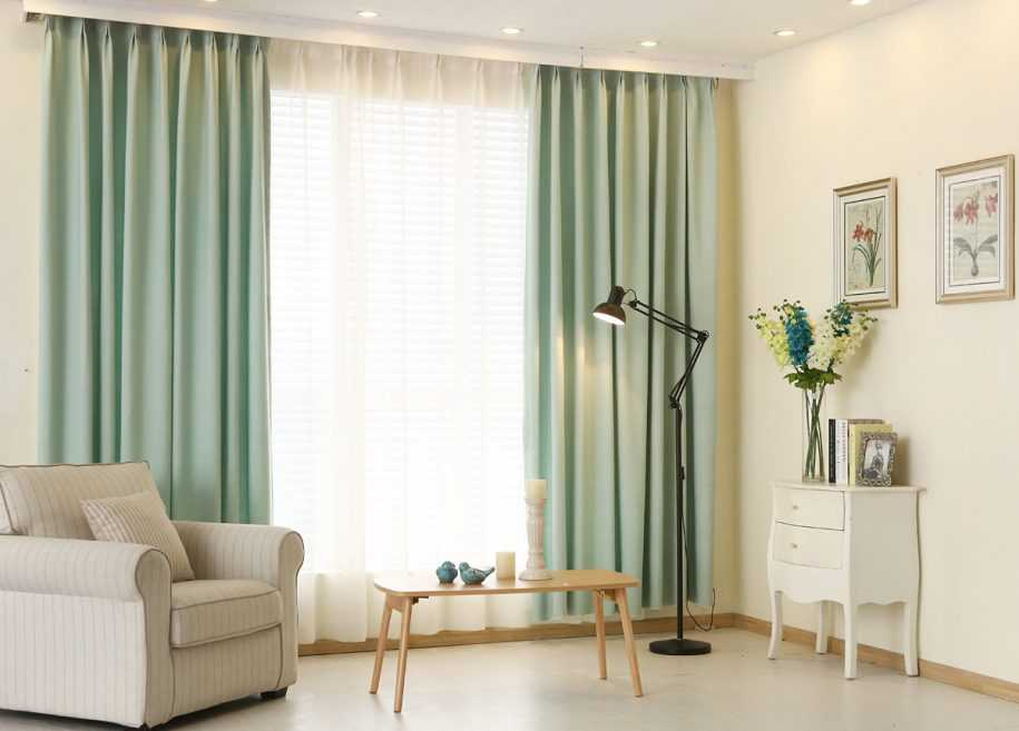 Фиолетовые шторы в спальне: разнообразие оттенков и правила подбора