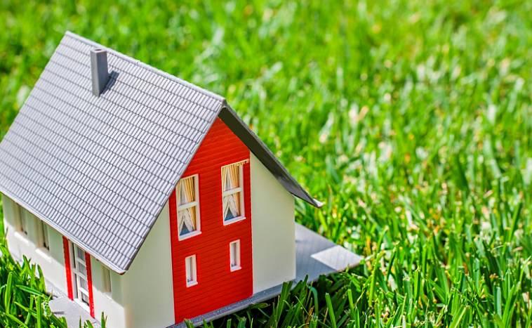 Можно ли покупать дачу, если дом не оформлен в собственность?