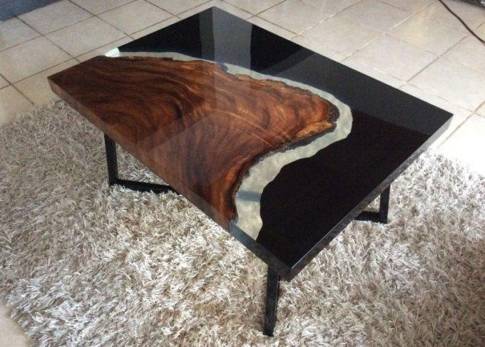 столы из эпоксидной смолы фото