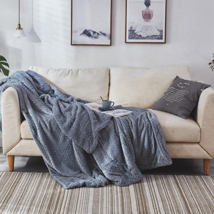 Покрывало на диван: 120 фото, советы и основные правила при выборе