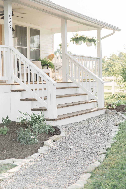 Крыльцо (150 фото): ступеньки для частного кирпичного дома, наружные лестницы для загородного коттеджа, уличные ступени