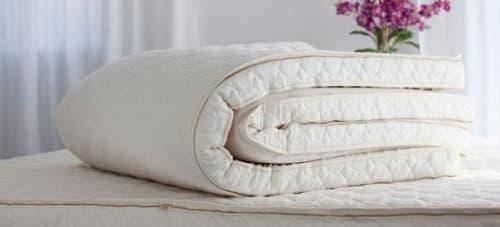 Топпер - тонкий матрас на диван: виды и правила выбора