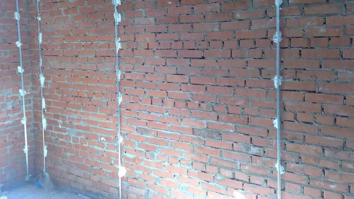 Улучшенная штукатурка стен: следуем требованиям снип