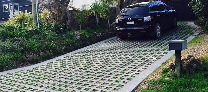 Газонная решетка для парковки: разновидности, конструкции и материал изготовления