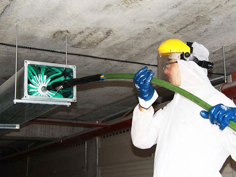 Прочистка вентиляции в многоквартирных домах своими руками