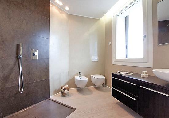 Влагостойкая шпаклевка для ванны: водостойкие составы для влажных помещений и комнат, шпатлевки для наружных работ