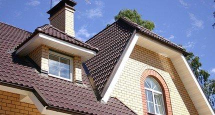 Крыши частных домов: красивые и современные варианты постройки кровли (100 фото и видео)