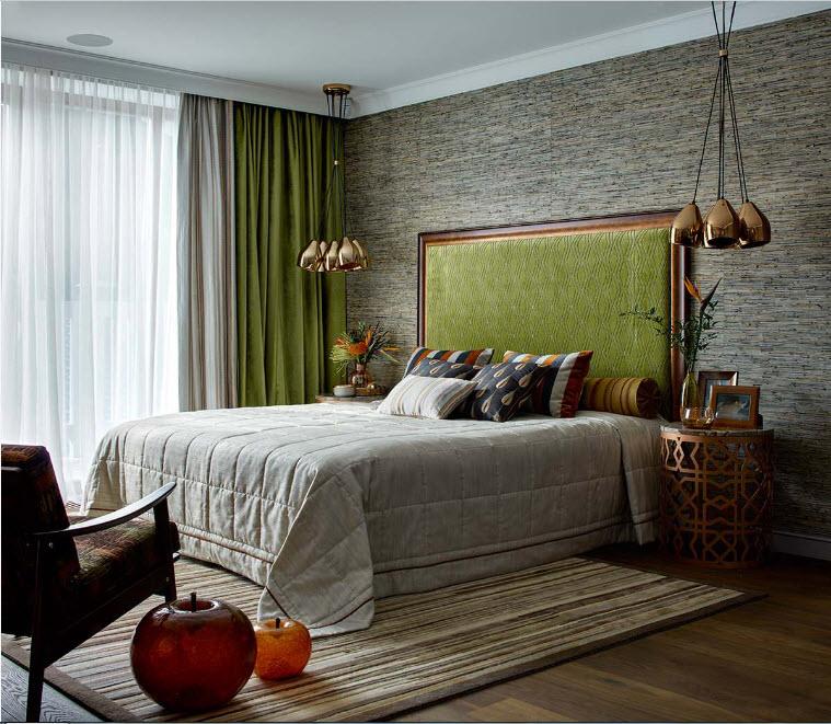Вкусные оливковые шторы в интерьере разных помещений
