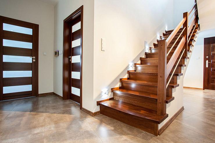 Покраска лестницы деревянной — нюансы и тонкости, о которых вы не знали