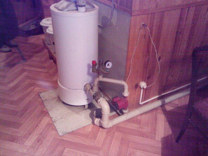 журчит вода в трубах отопления многоквартирного дома