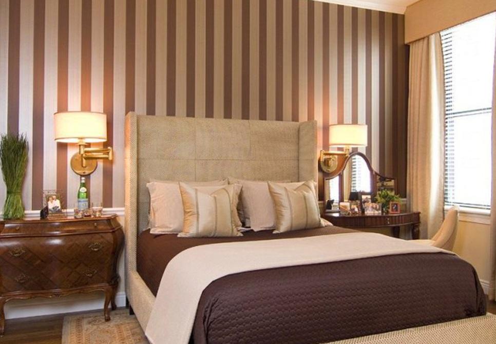 Коричневые обои в интерьере: виды, дизайн, сочетание с другими цветами, шторами, мебелью